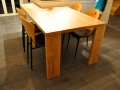 zelf_gemaakte_tafel.jpg
